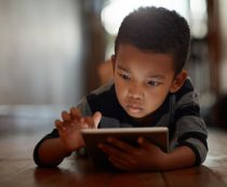 Kids screen time linked to cancer and nearsightedness - but dont expect families to ditch devices