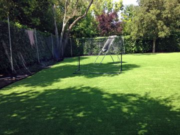 Artificial Grass Photos: Artificial Grass In Installation in Manhattan Beach, California
