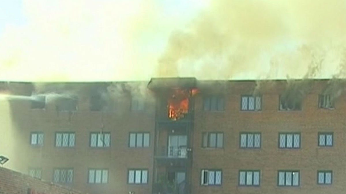 Fire Breaks Out, Displaces Multiple People in Des Plaines