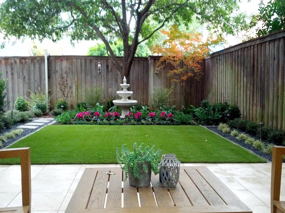 Artificial turf residential dallas texas dallas county for Rear garden design ideas