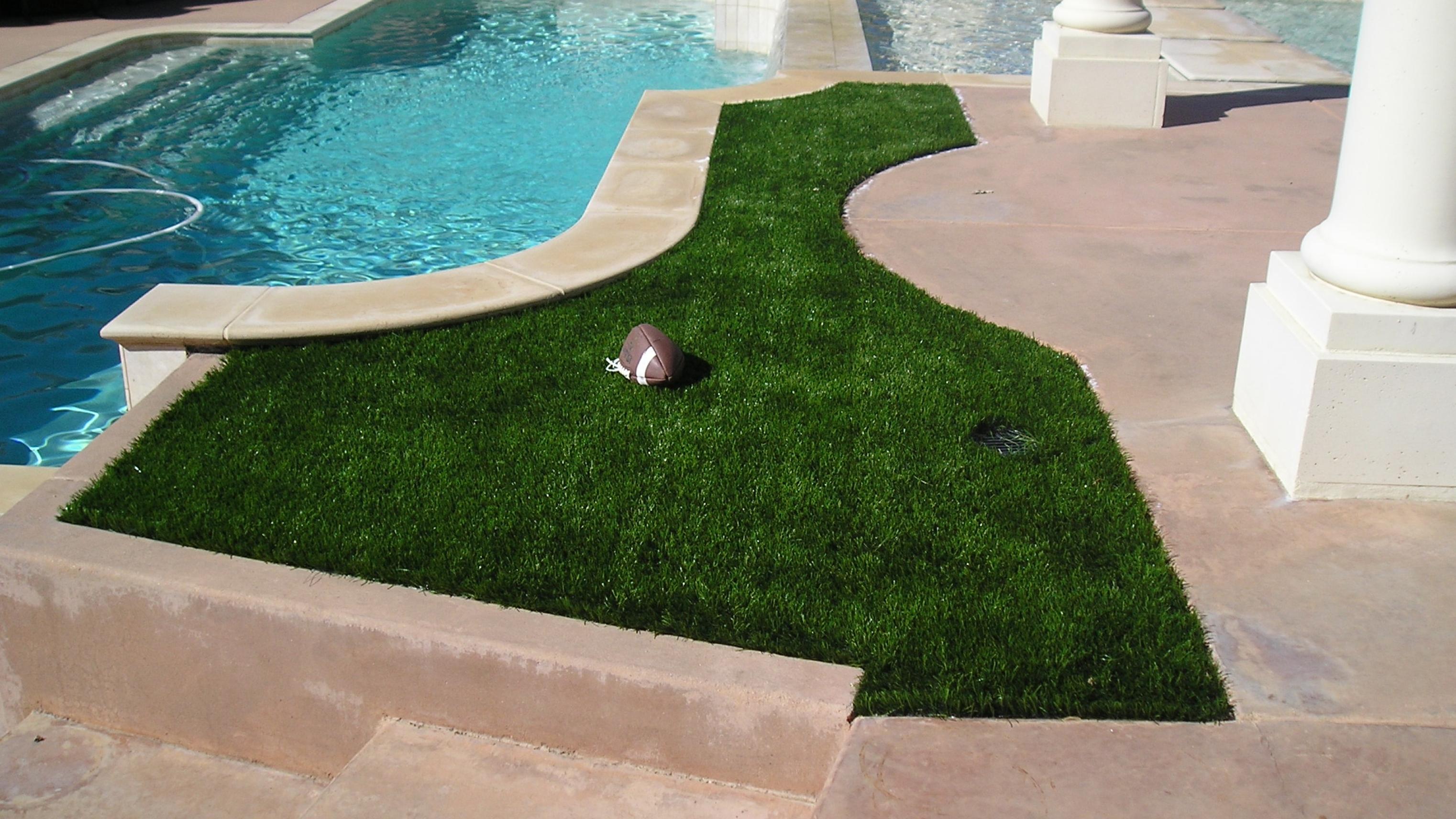 S Blade-90 Green on Green backyard turf,turf backyard,fake grass for backyard,fake grass backyard,artificial grass backyard