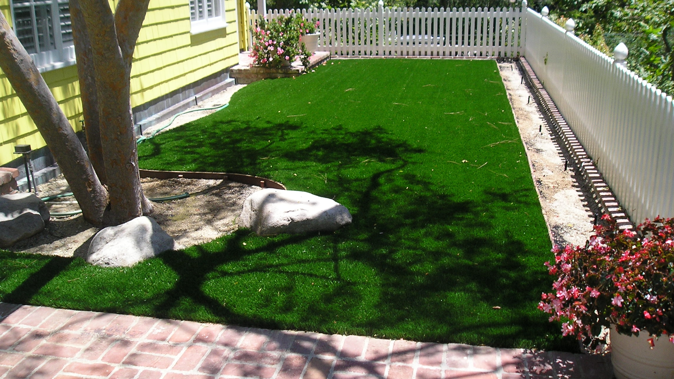 S Blade 50 residential landscaping,artificial turf residential,residential landscape,residential turf,residential artificial grass,fake grass for yard,backyard turf,turf backyard,turf yard,fake grass for backyard
