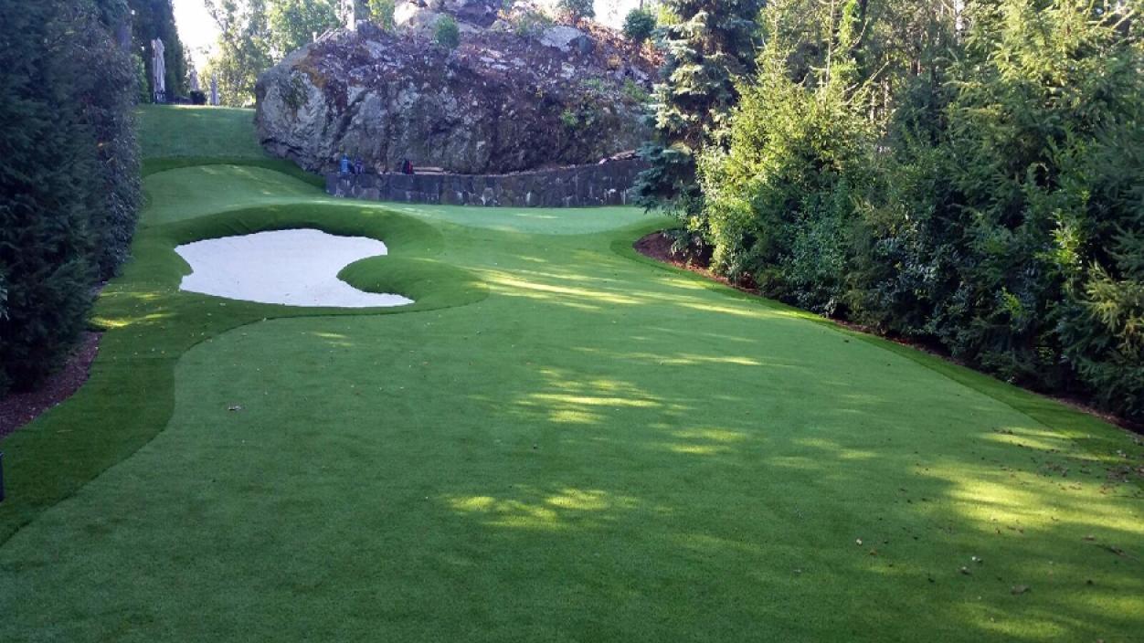 Golf Practice Greens in New York City, New York