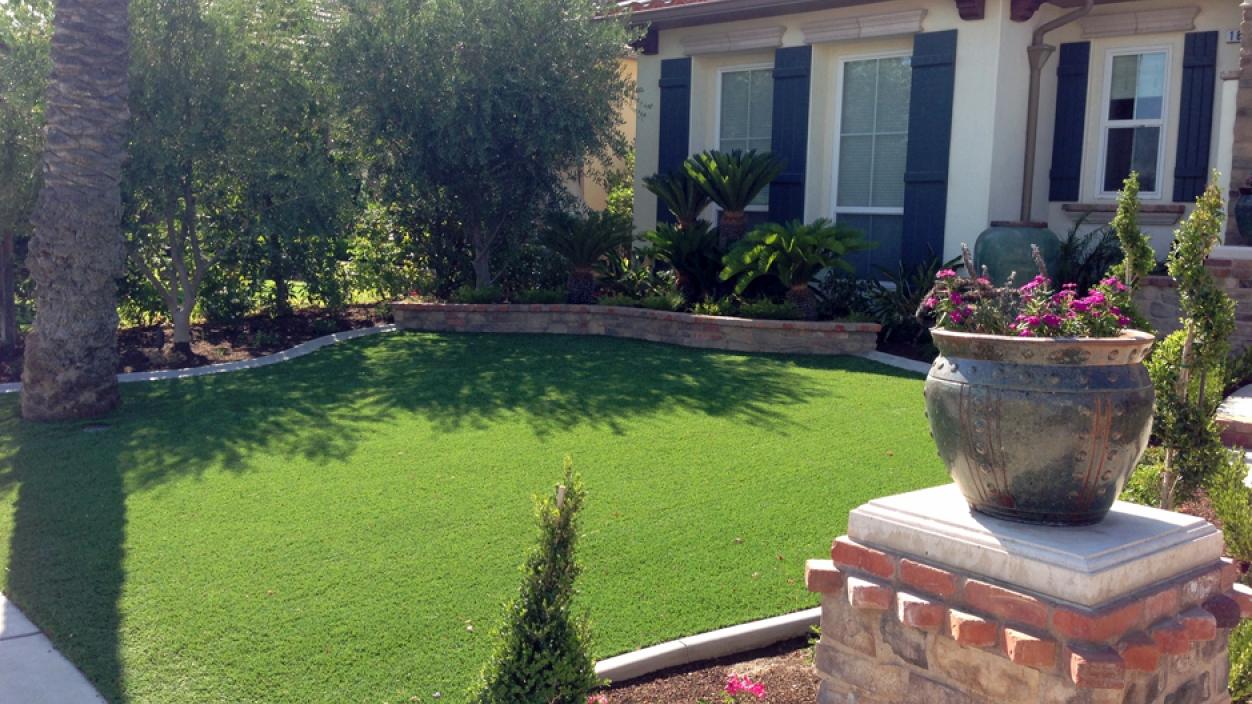 Artificial Grass Installation in Santa Ana, California