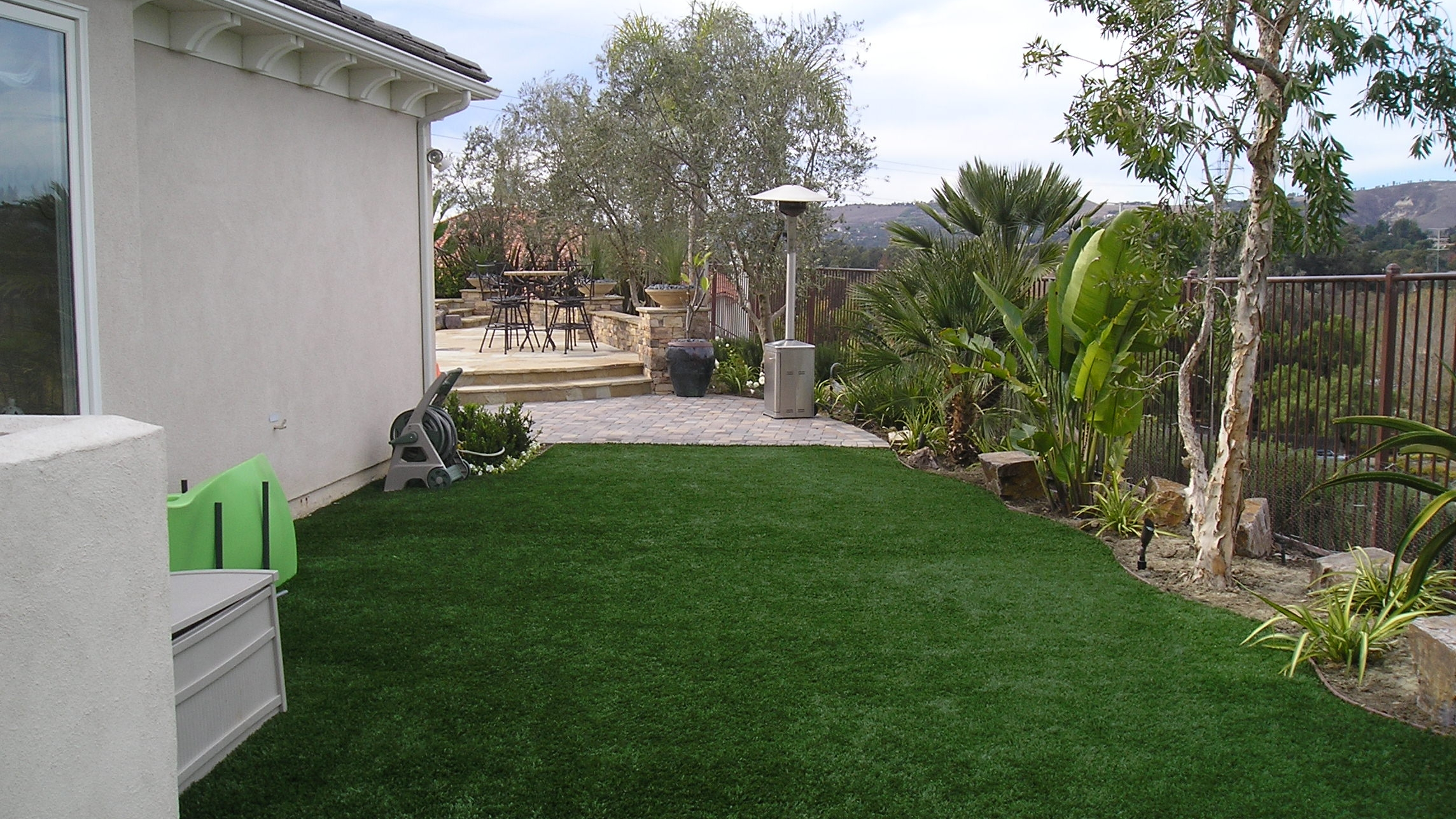 Full Recycle-91 pet friendly artificial grass,fake grass for yard,backyard turf,turf backyard,turf yard,fake grass for backyard,artificial turf,synthetic turf,artificial turf installation,how to install artificial turf,used artificial turf,pet friendly artificial grass