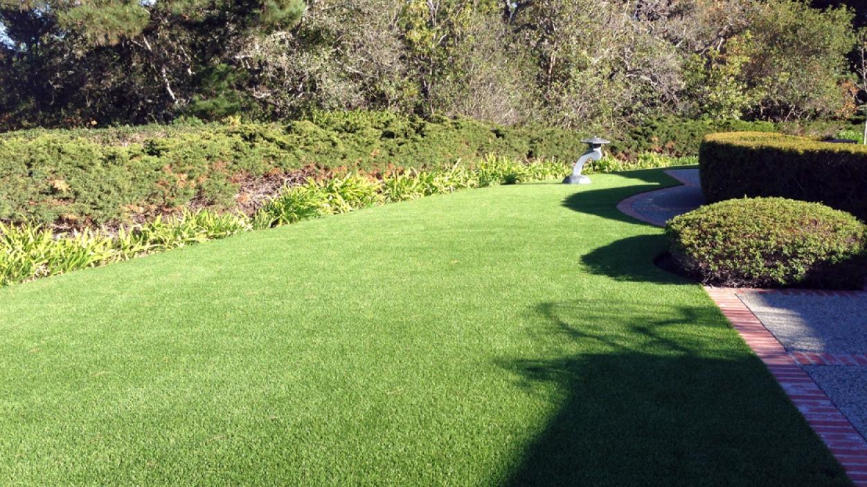 Artificial Grass Installation in Half Moon Bay, California