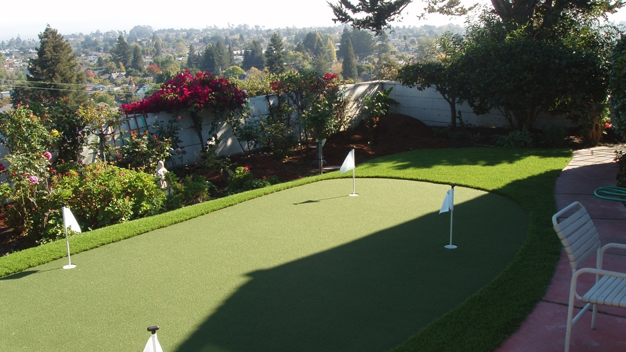 Backyard Golf Putting Greens In Scotts Valley, California