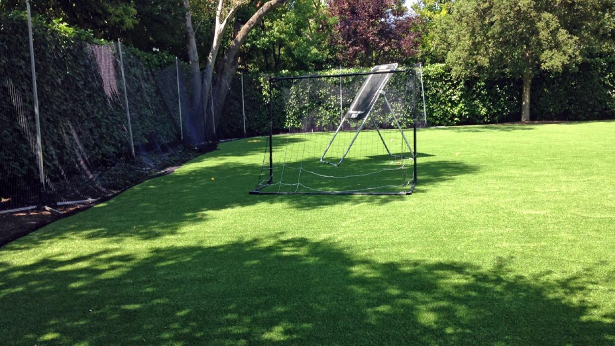 Artificial Grass In Installation in Manhattan Beach, California