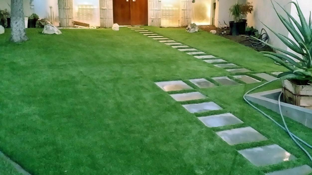 Artificial Grass Installation in Carson, California