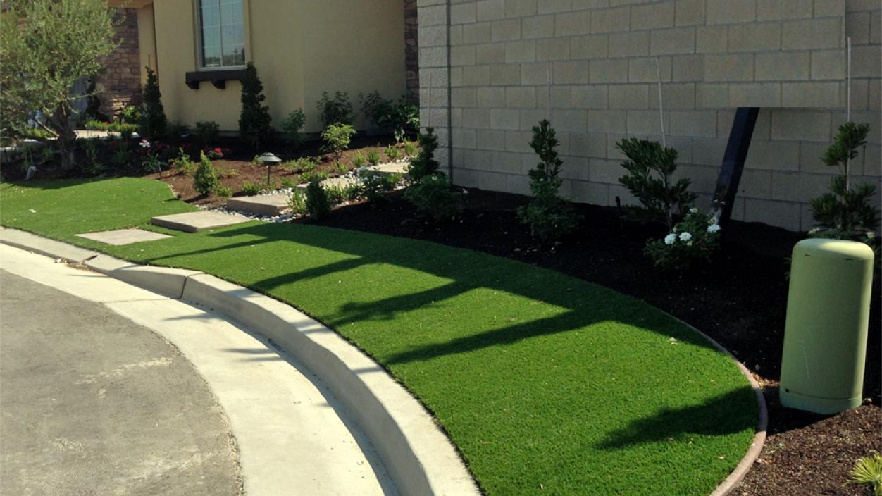 Artificial Grass Installation In Lakdale, California