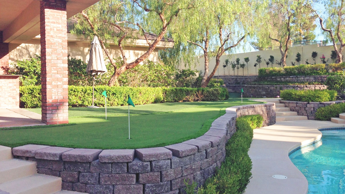 Artificial Grass for landscape lawns, golf putting greens, decks, patios, rooftops, sports, playgrounds by Global Syn-Turf.