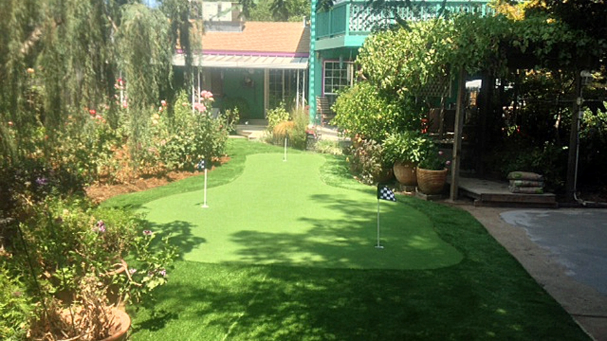 Artificial Grass Installation in Madera, California