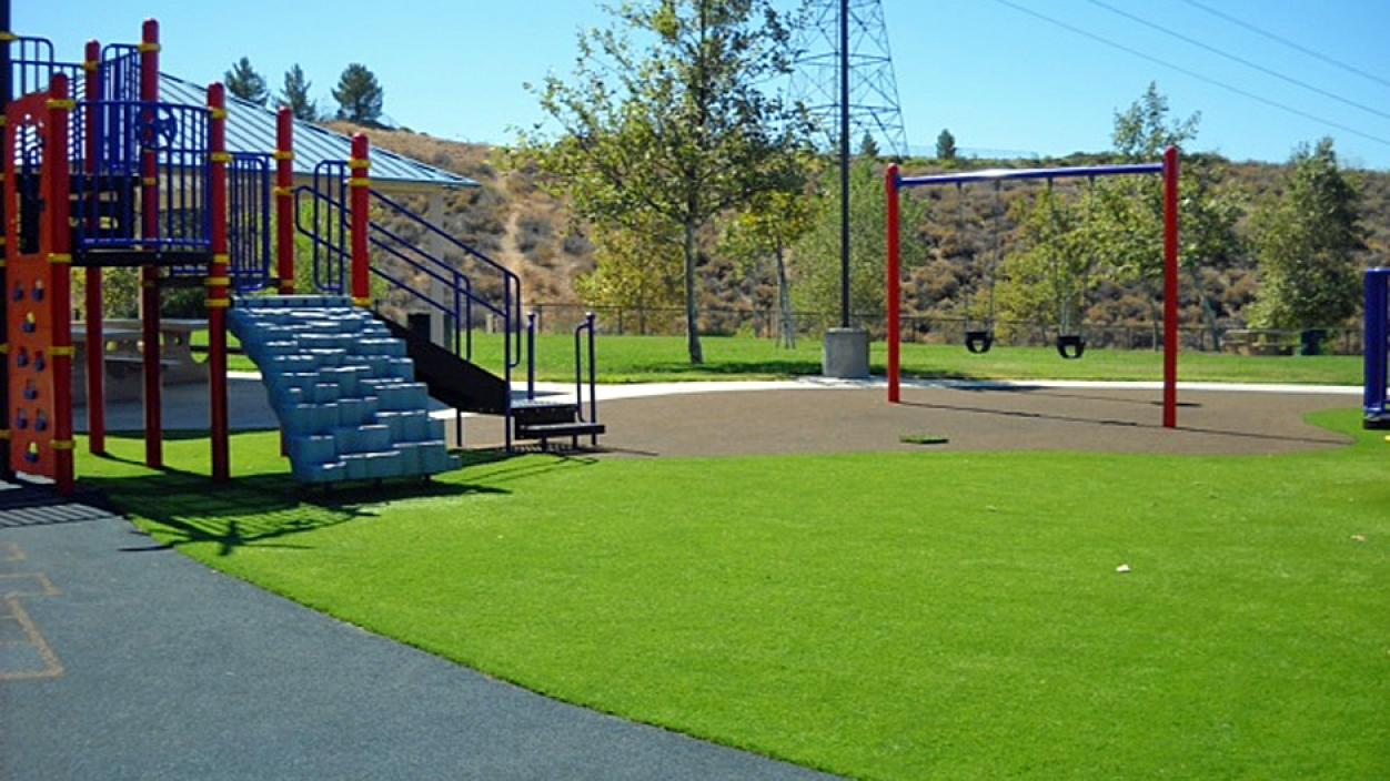 Artificial Grass Installation in Des Moines, Iowa