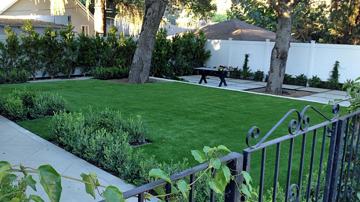 Artificial Grass Installation In La Presa, California