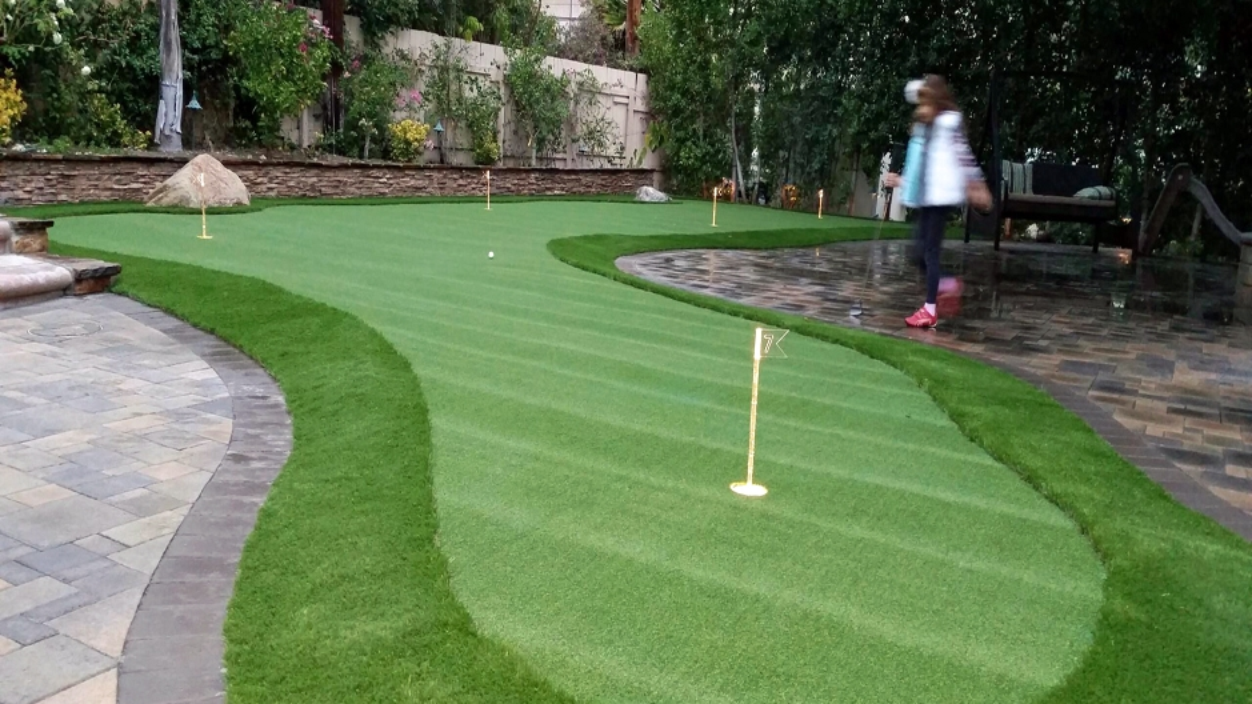 Artificial Grass Installation in Willowbrook, California