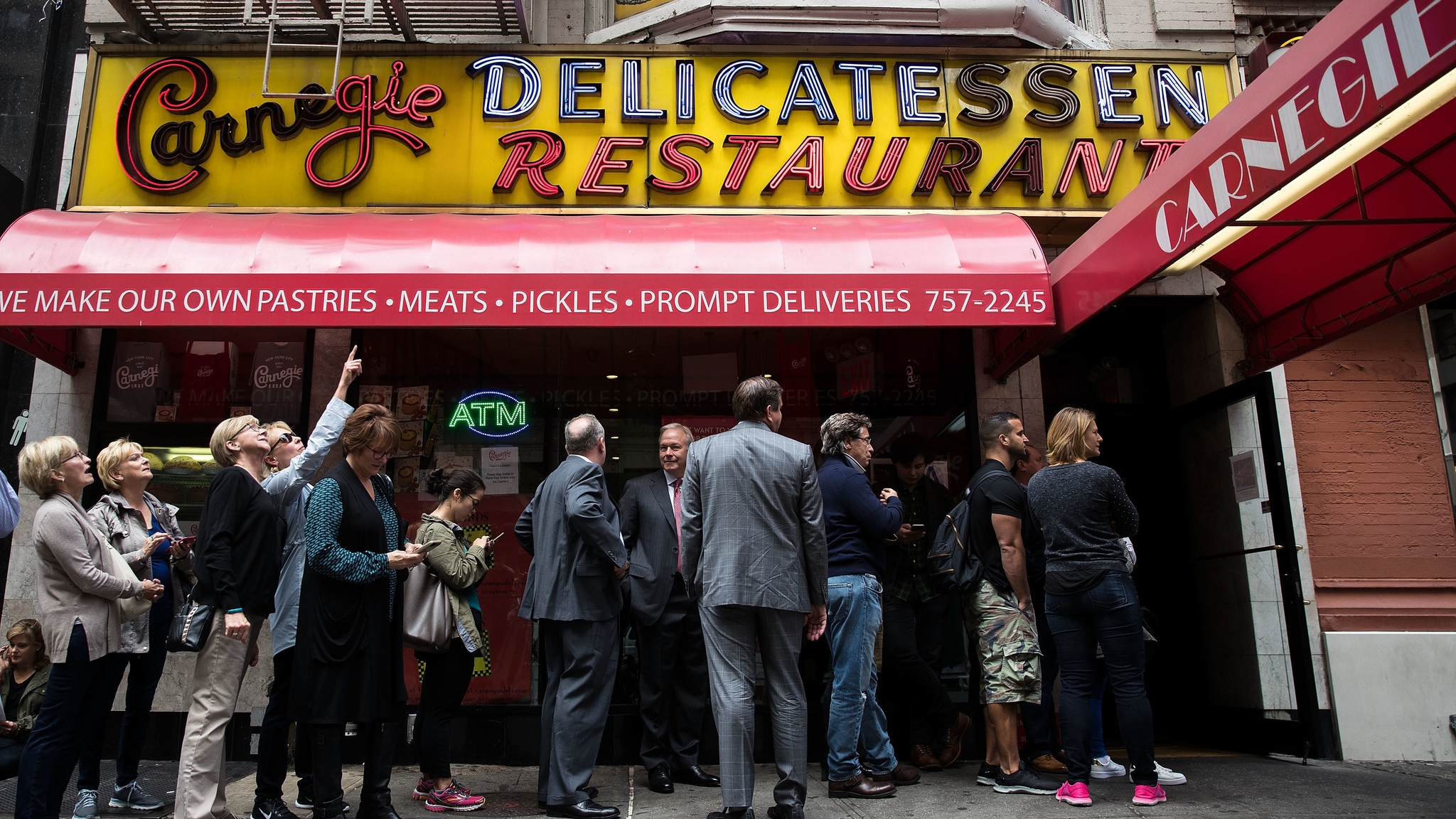 Iconic Carnegie Deli to return to New York for one week - and sandwiches are $1