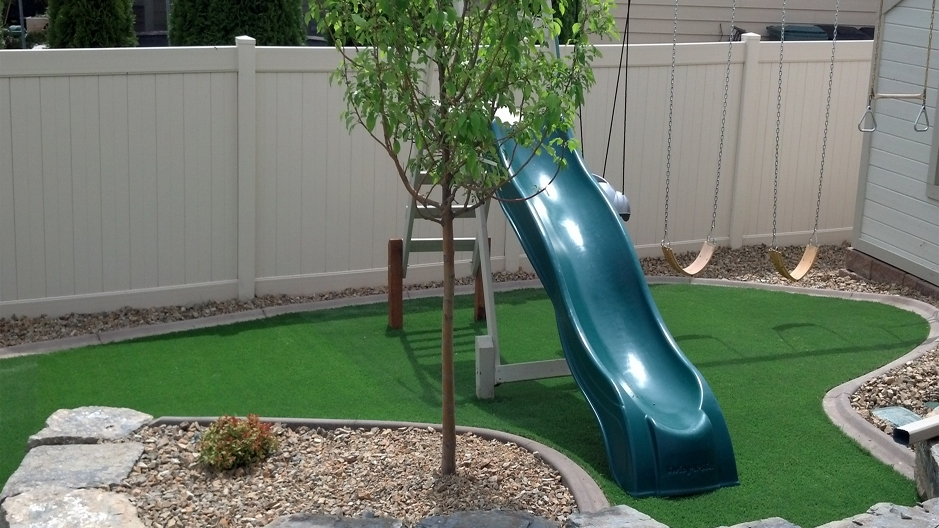 Synthetic Grass Installation In Indianapolis, Indiana