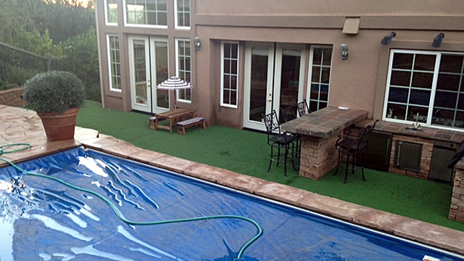 Synthetic Grass Installation In Long Beach, California