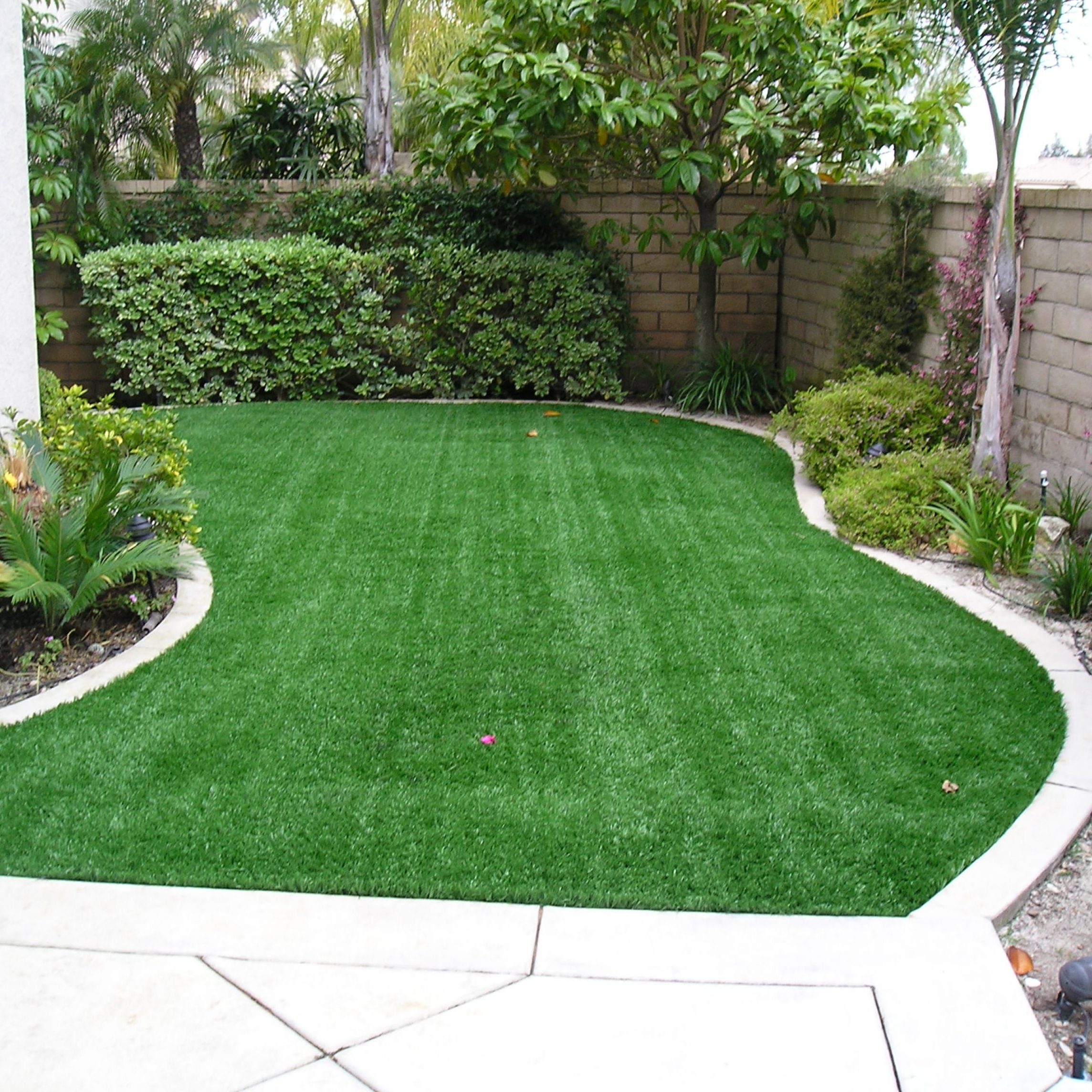 S Blade-90 artificial grass for homes,artificial turf for homes,best artificial grass for home,astro turf for home,artificial lawns for homes,artificial turf,synthetic turf,artificial turf installation,how to install artificial turf,used artificial turf,fake grass for yard,backyard turf,turf backyard,turf yard,fake grass for backyard