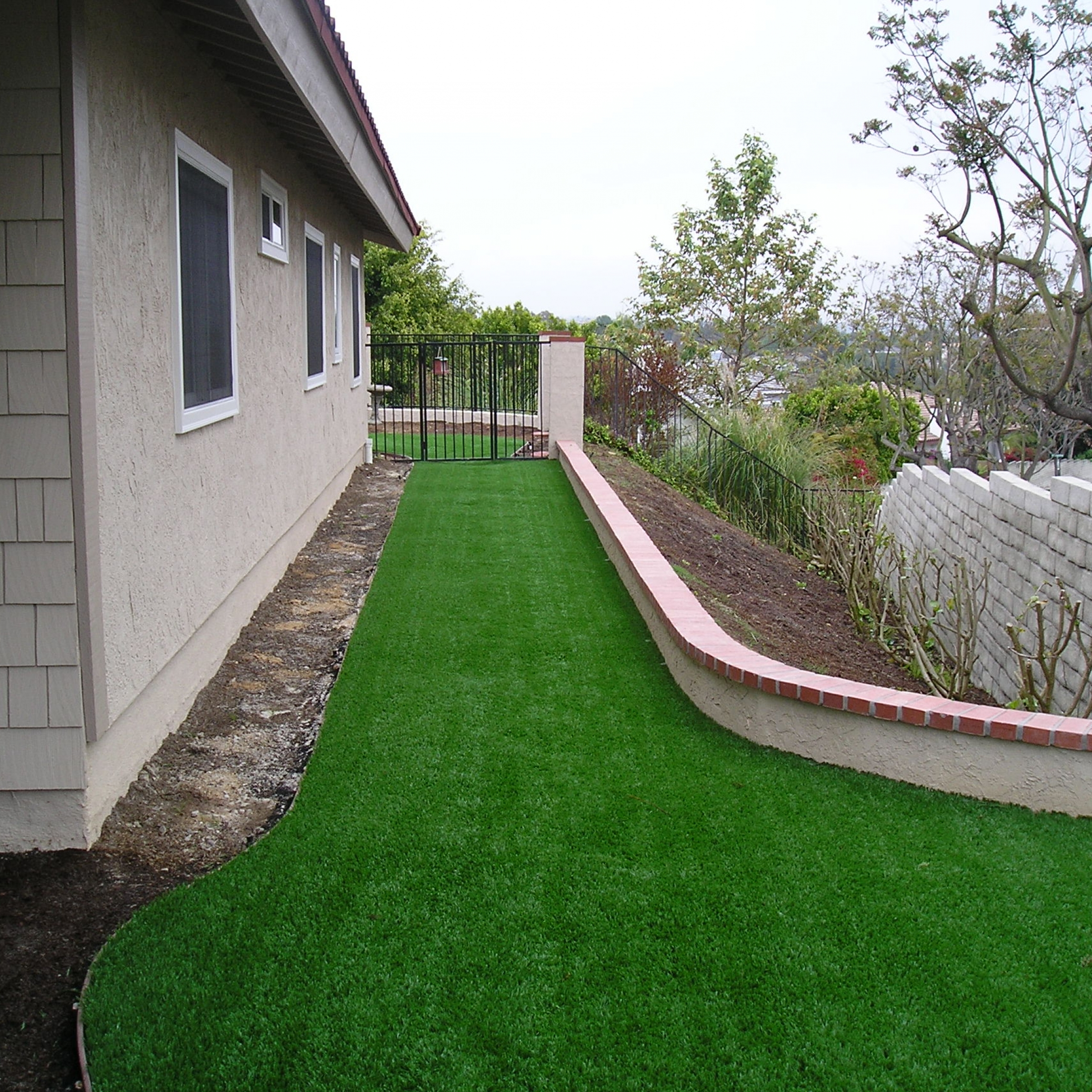 Riviera Monterey-50 fake green grass,green grass carpet,artificial turf,synthetic turf,artificial turf installation,how to install artificial turf,used artificial turf