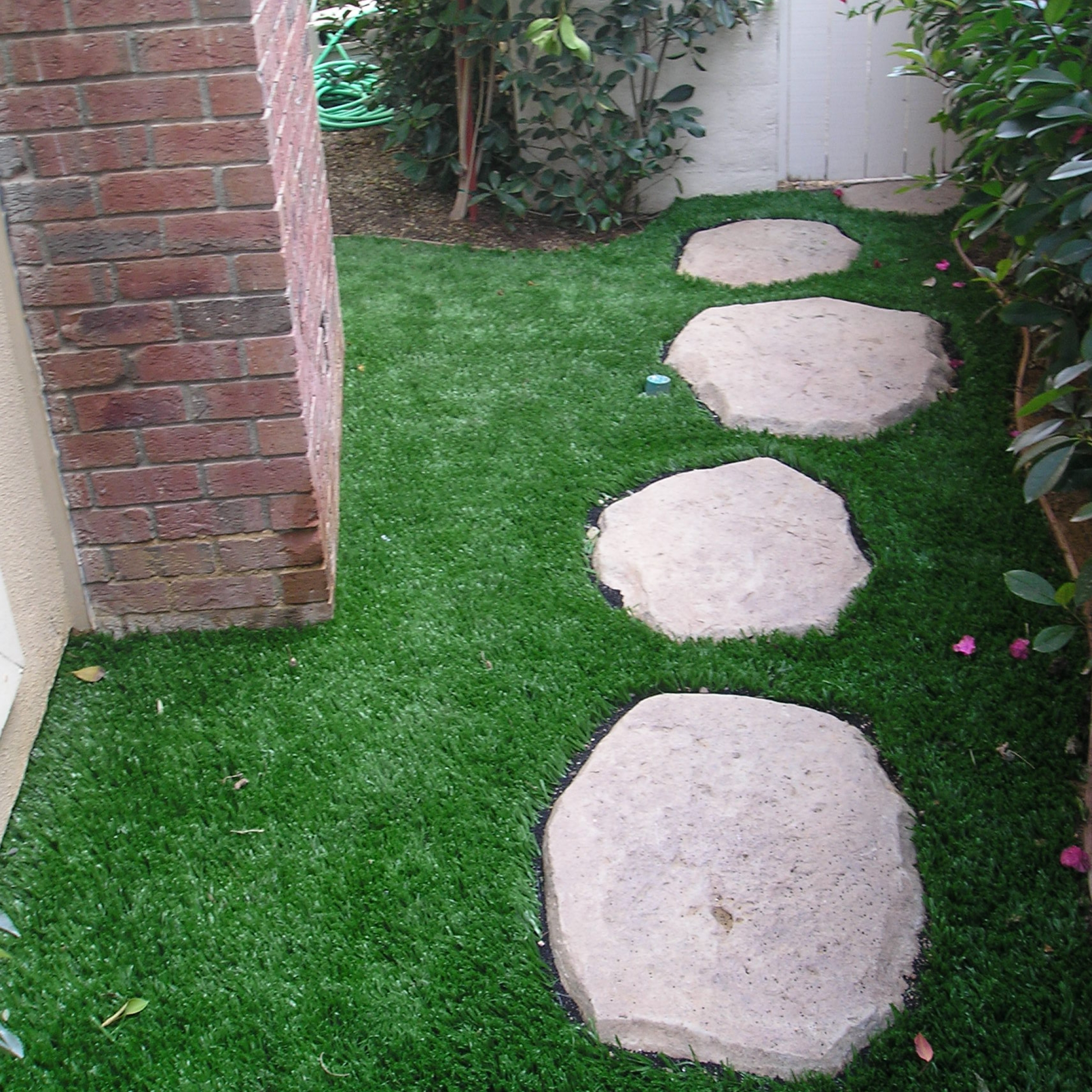 Premium M Blade-60 artificial turf,synthetic turf,artificial turf installation,how to install artificial turf,used artificial turf,backyard turf,turf backyard,fake grass for backyard,fake grass backyard,artificial grass backyard