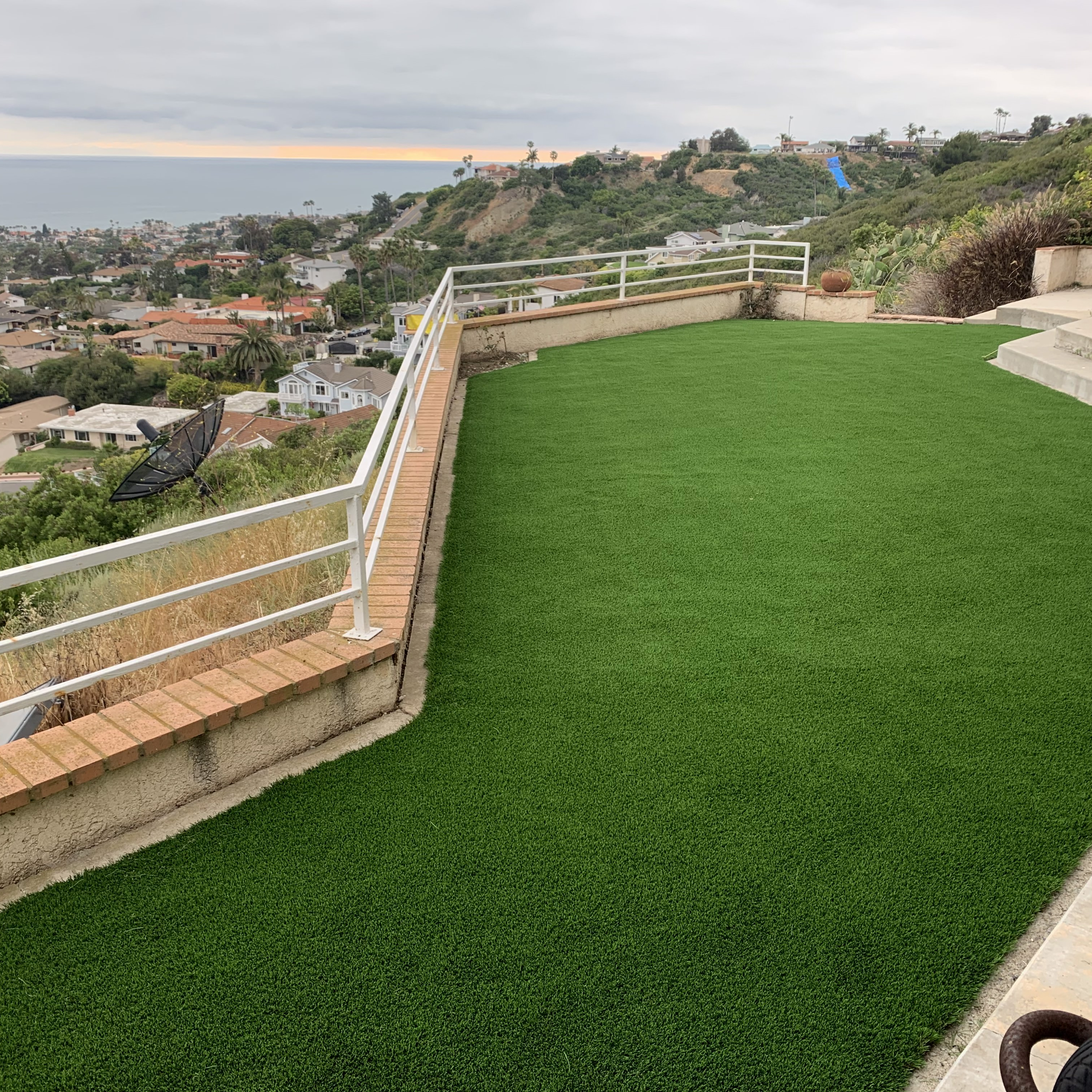 Cool Blue Hollow Lime fake green grass,green grass carpet,fake green grass,green grass carpet,artificial turf,synthetic turf,artificial turf installation,how to install artificial turf,used artificial turf
