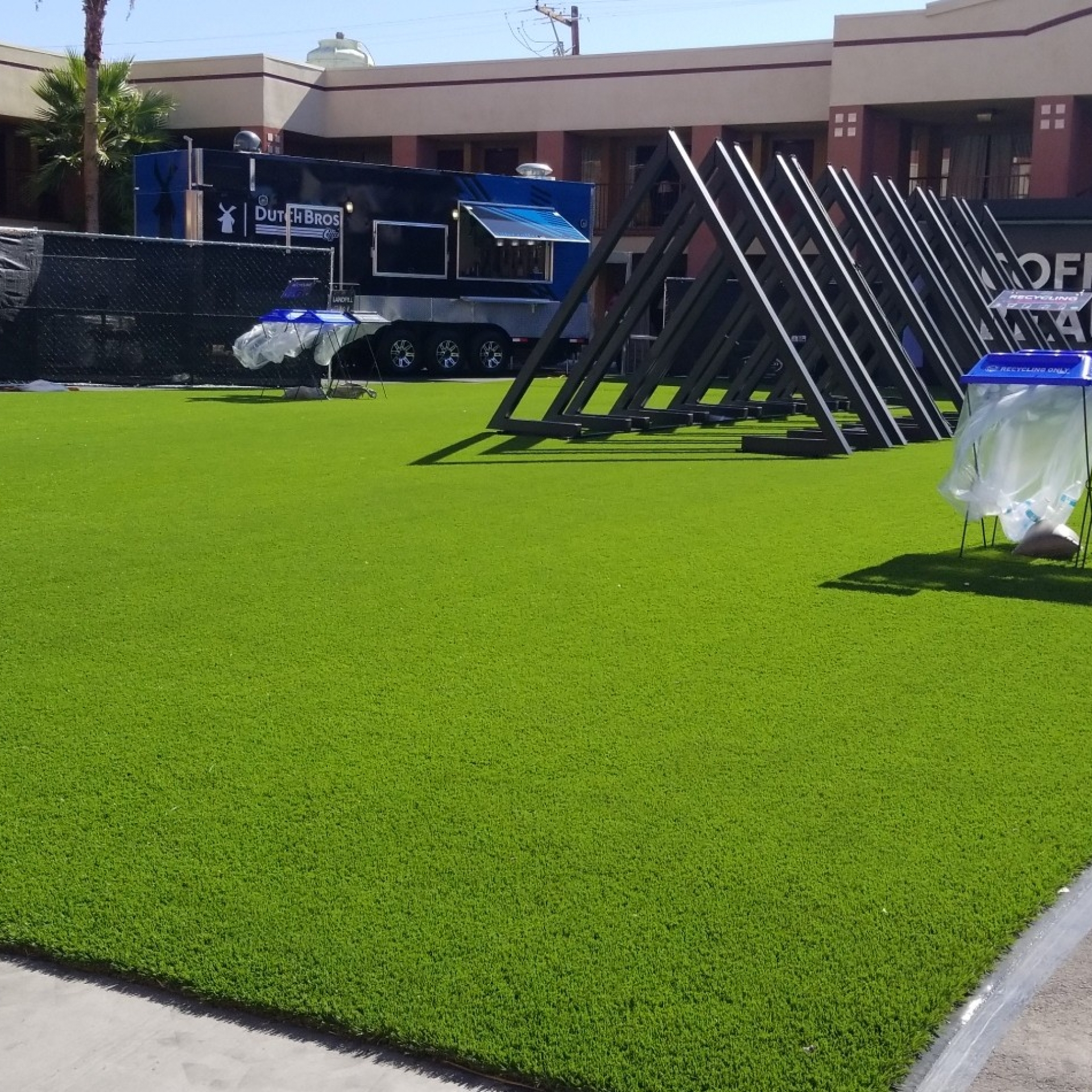 Cool Blue Hollow Olive artificial turf,synthetic turf,artificial turf installation,how to install artificial turf,used artificial turf,artificial grass installation,artificial turf installation,turf installation,synthetic grass installation,fake grass installation