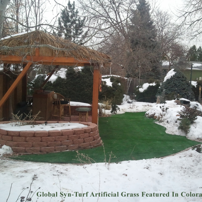Tiki bar snow ice artificial grass synthetic turf
