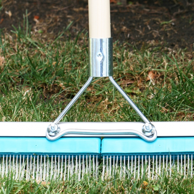 Synthetic Turf Rake Groom for artificial grass maintenance