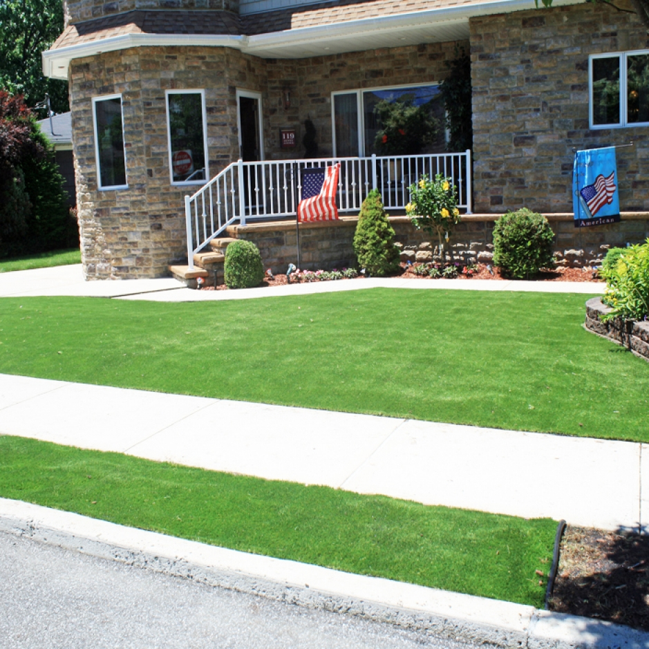 Artificial Grass Home Front Yard