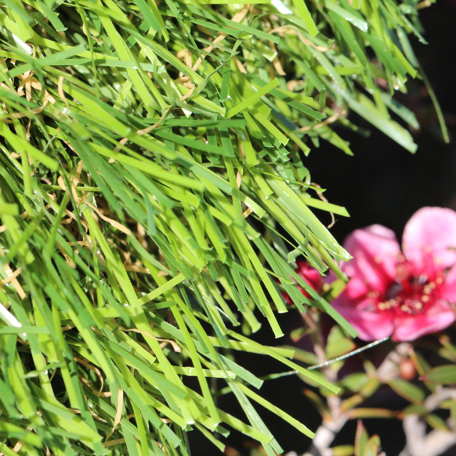 Sierra 70 oz artificial grass emerald green