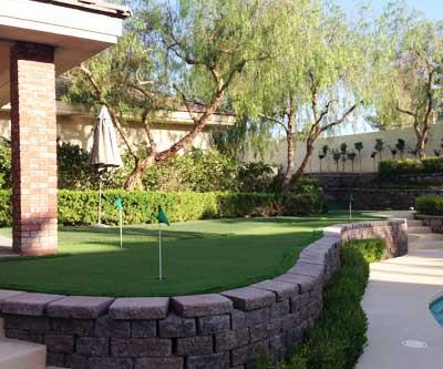 Golf practice putting greens