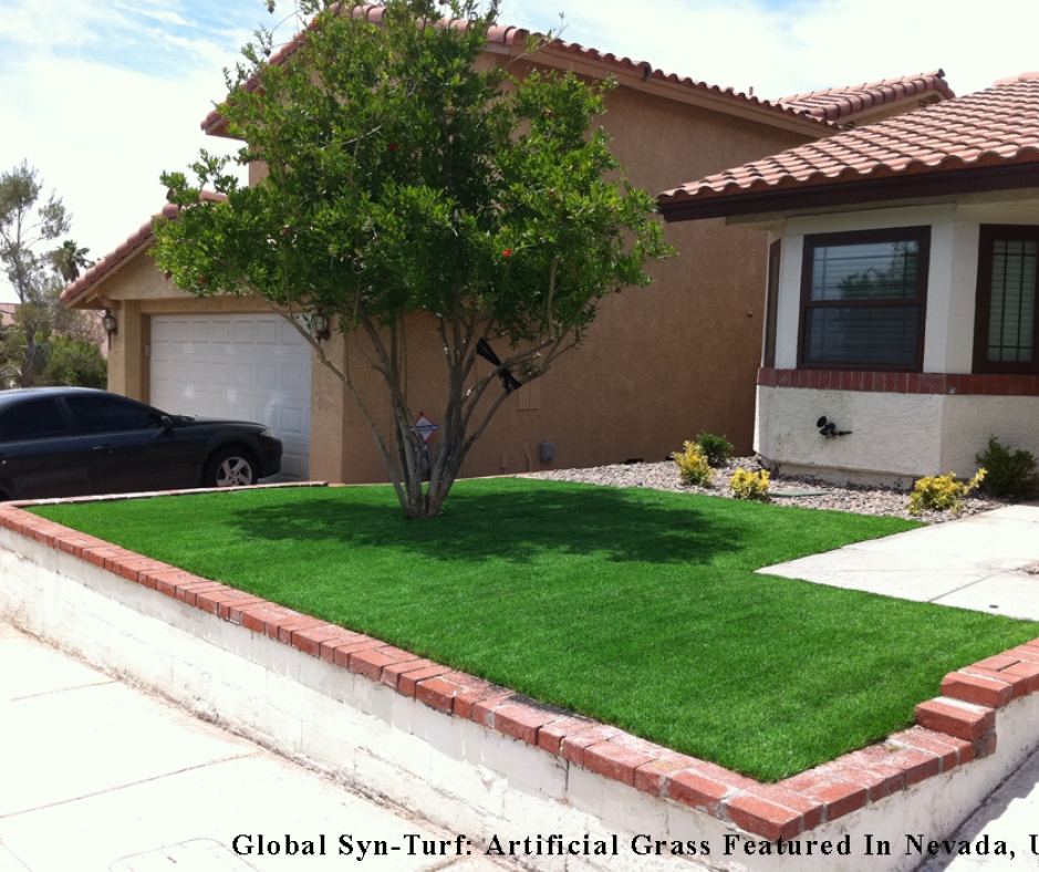 Front Yard Artificial grass Green House Front Bricks perimeter
