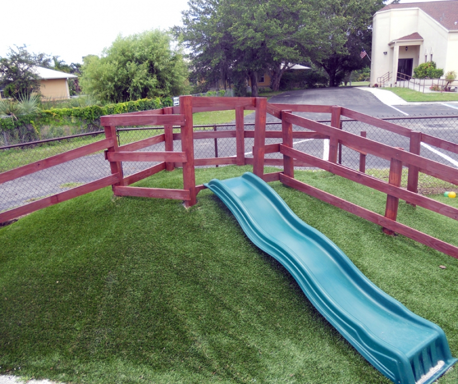 Artificial Grass Installation in Palm Beach Gardens, Florida