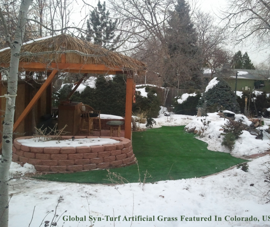 Tiki bar snow ice artificial grass synthetic turf