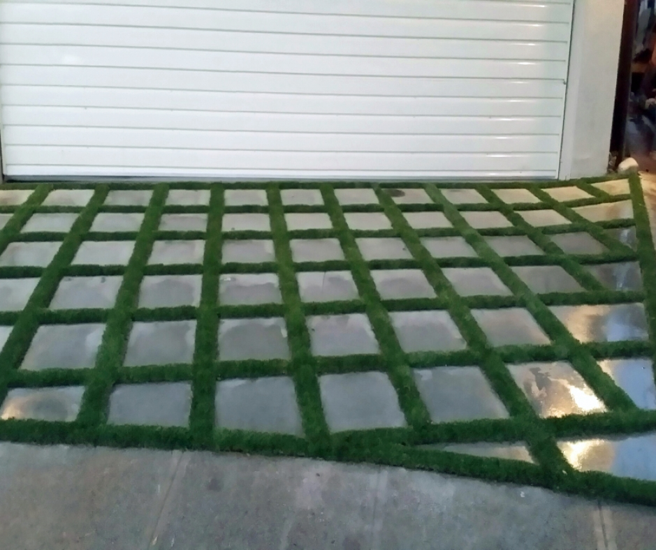 Artificial Grass Installation in South Gate, California