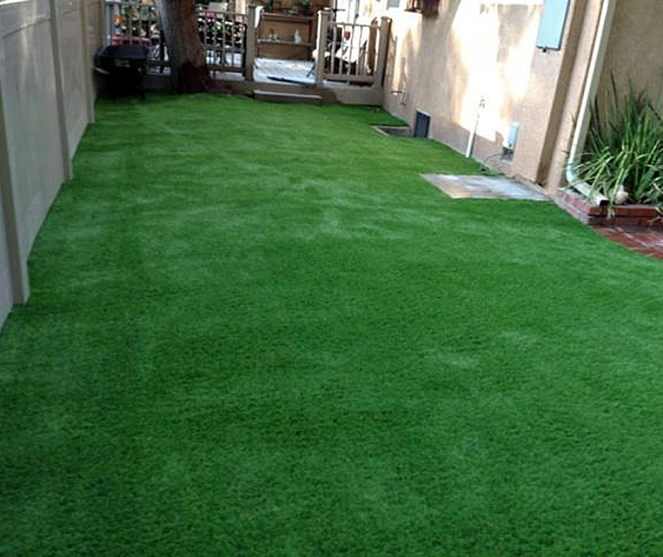 Artificial Grass Installation in Lawndale, California