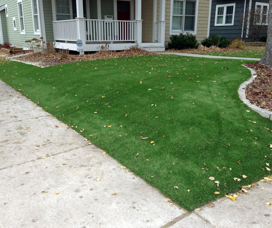 Artificial Grass Installation In St. Louis, Missouri