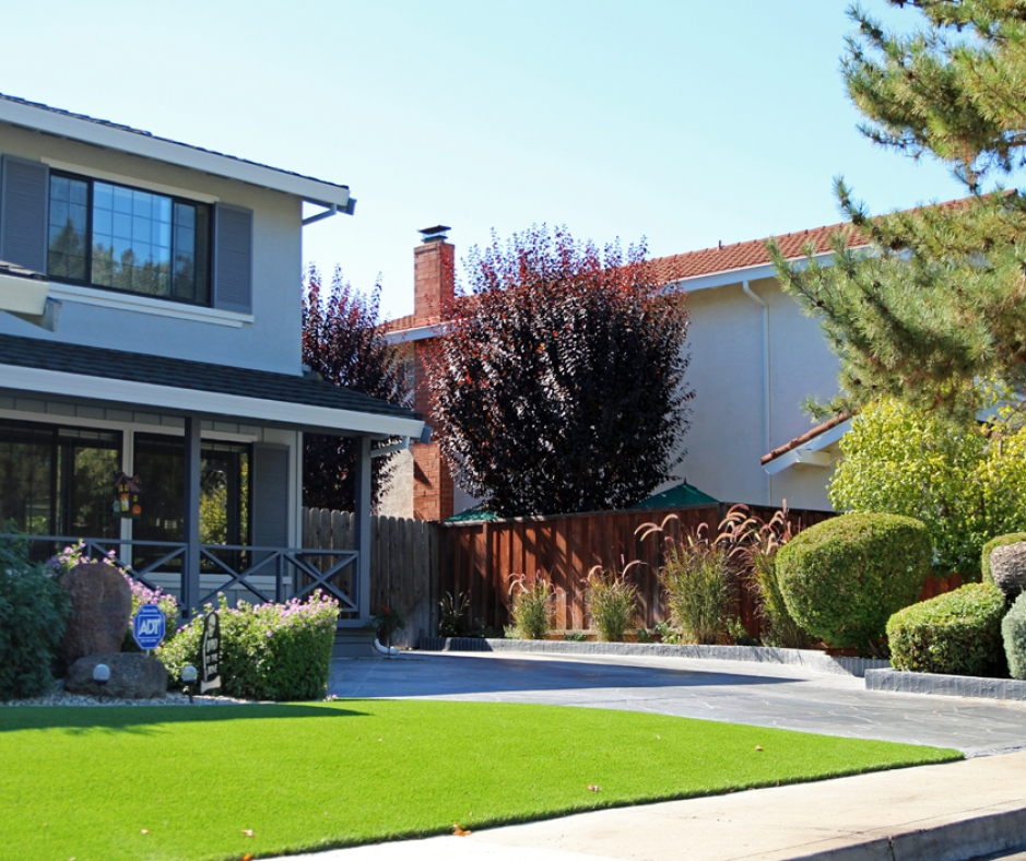 Artificial Grass Installation in Paramount, California