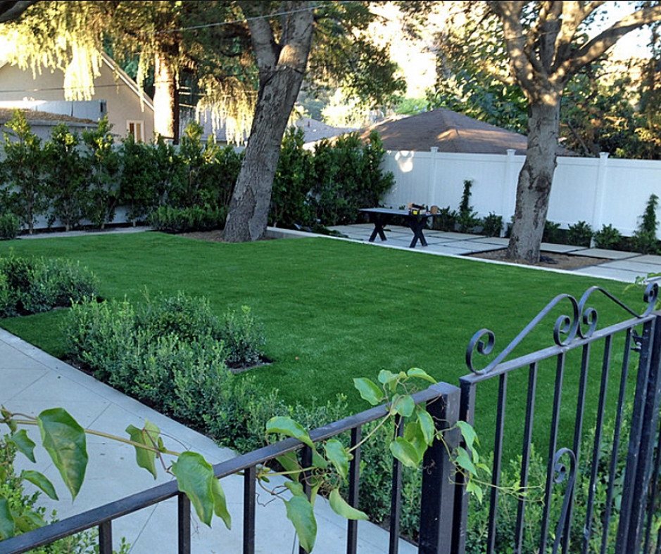 Artificial Grass Installation In La Presa, California