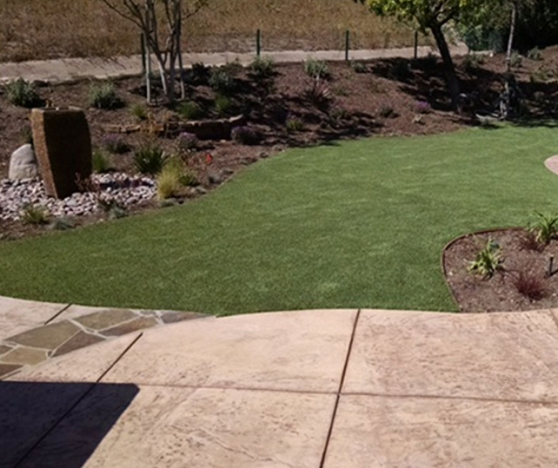 Artificial grass synthetic turf fake landscape lawn patio pavers stones driveway landscaping blocks garden walkway cement