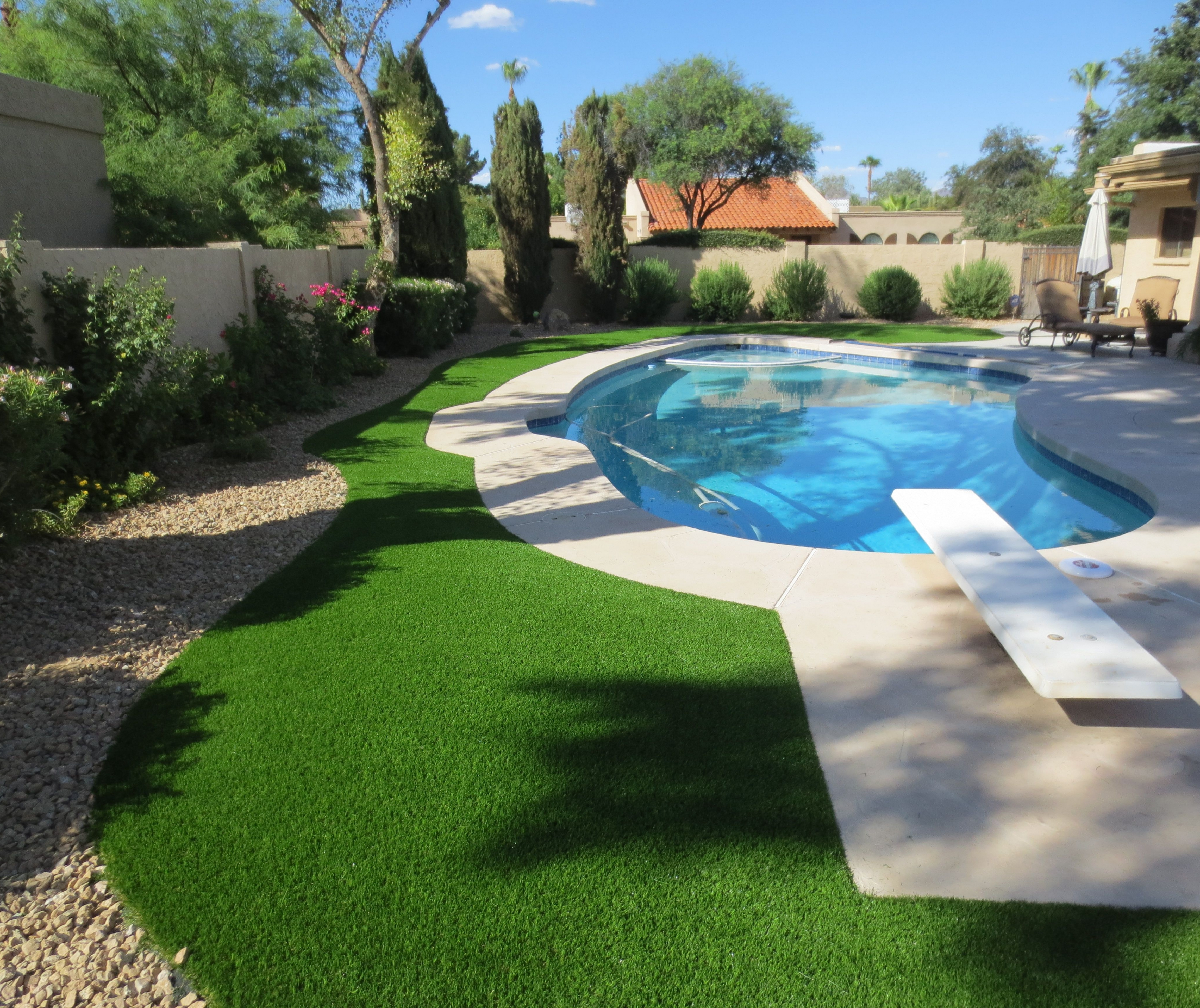 Swimming pool backyard synthetic artificial grass turf