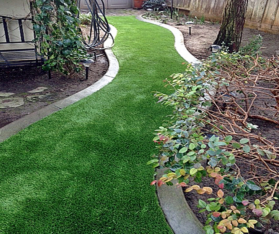 Synthetic Grass Installation In Los Angeles, California