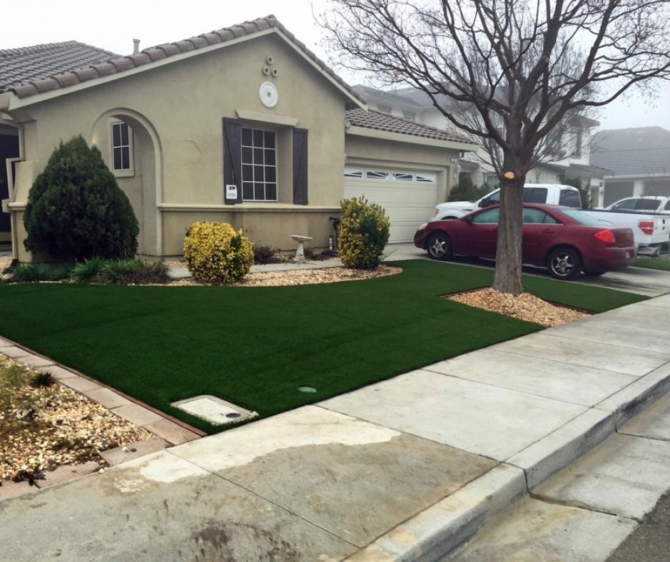 Synthetic Grass Installation In Corona, California