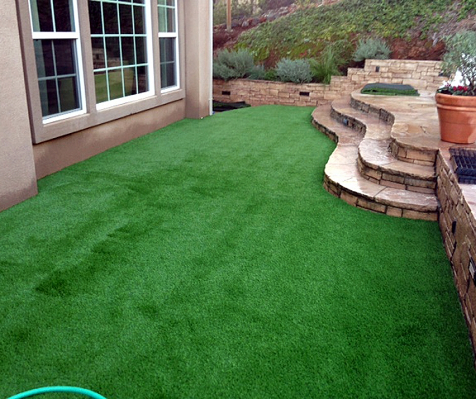 Synthetic Grass Installation In Oakland, California