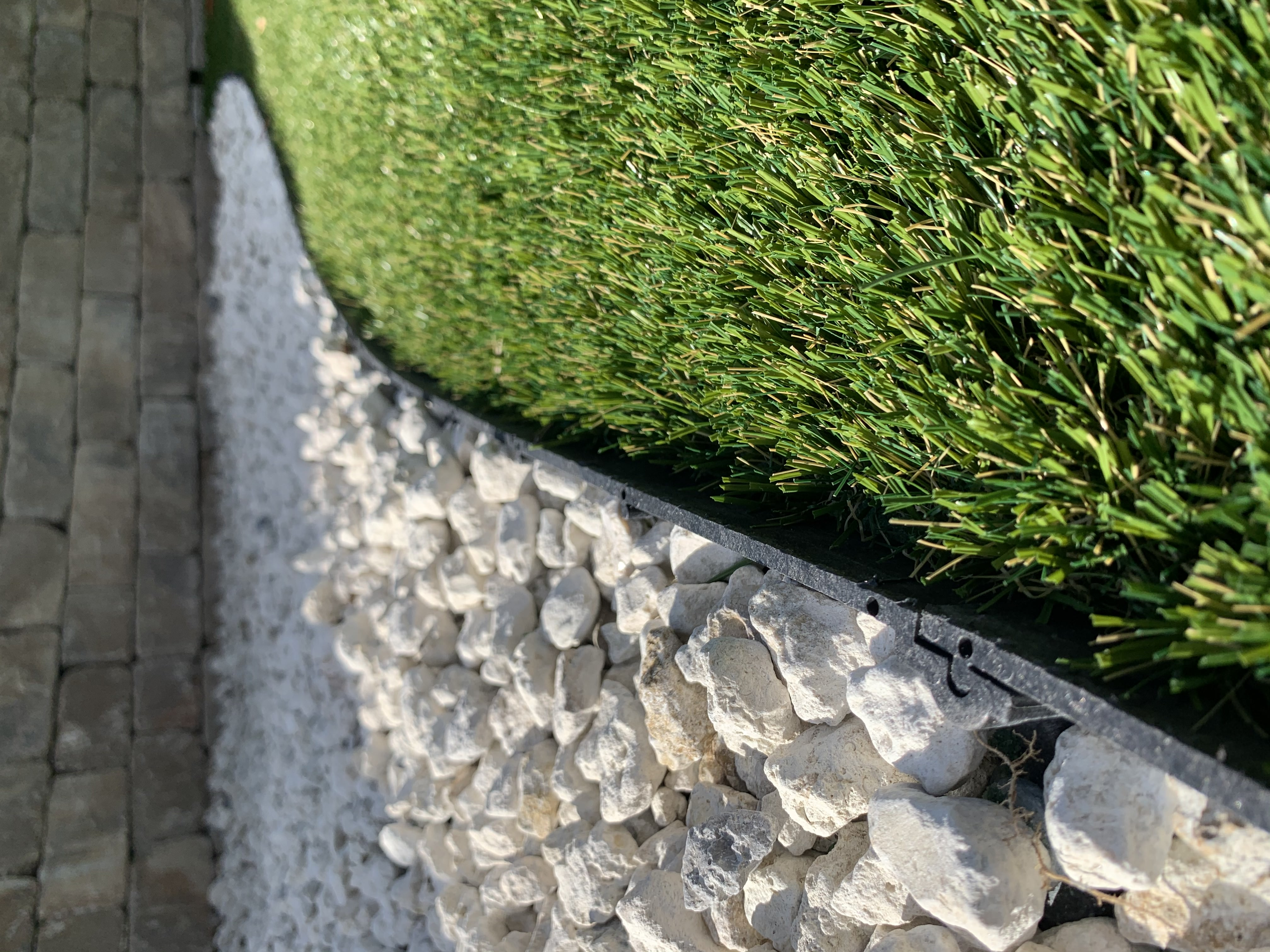 Cool Blue Hollow Lime real grass,most realistic artificial grass,realistic artificial grass,artificial lawn,synthetic lawn,fake lawn,turf lawn,fake grass lawn,artificial turf,synthetic turf,artificial turf installation,how to install artificial turf,used artificial turf