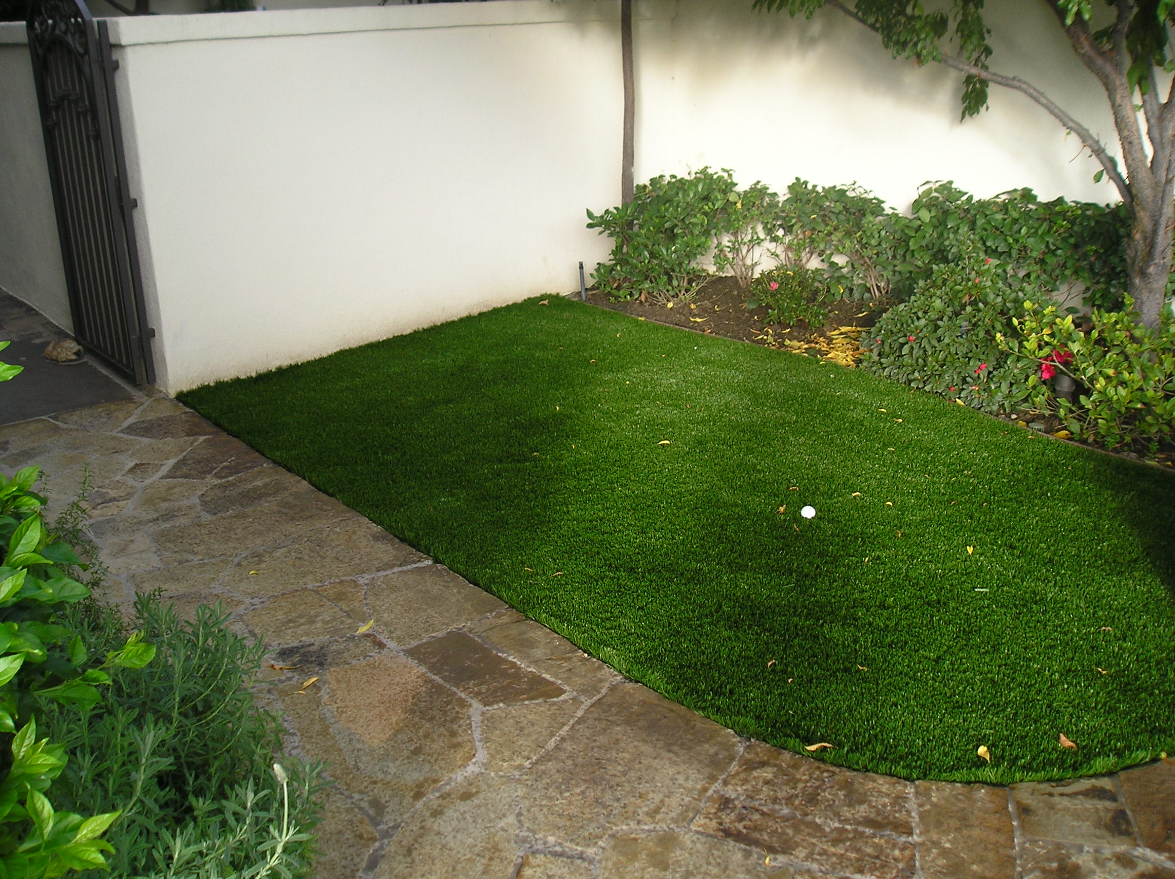 Cool Blue Hollow Olive artificial turf,synthetic turf,artificial turf installation,how to install artificial turf,used artificial turf