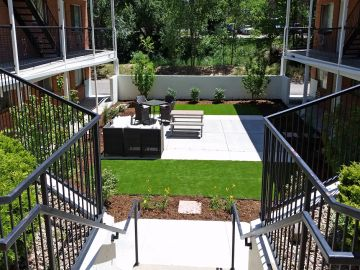 Patio deck artificial grass green turf concrete modern stairs