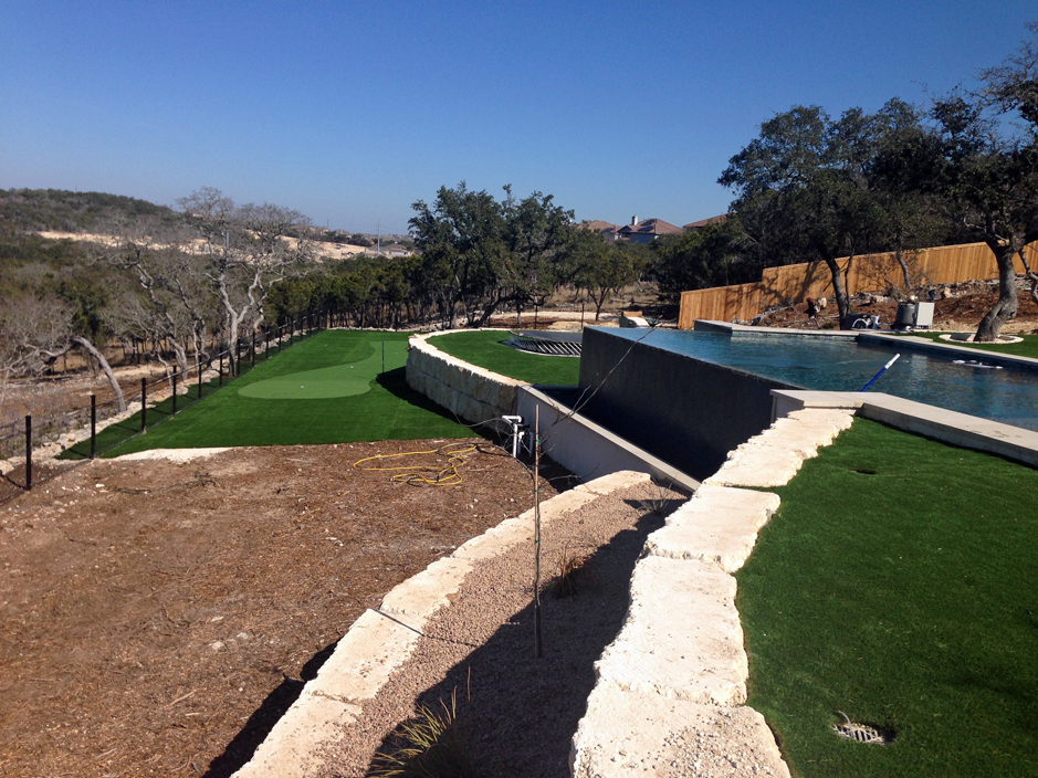 Artificial grass swimming pool water landscape synthetic turf lawn blue sky green lawn desert landscaping