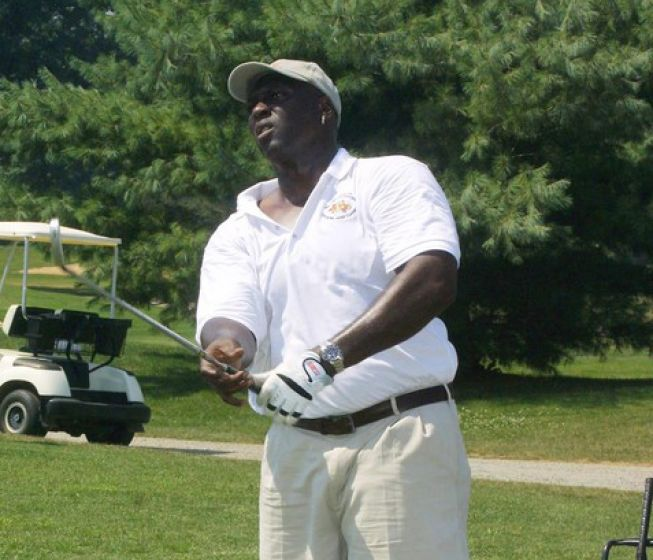 Ottis O.J. Anderson former New York Giants running back, Super Bowl MVP XXV golf practice at the Fiddler's Elbow Country Club